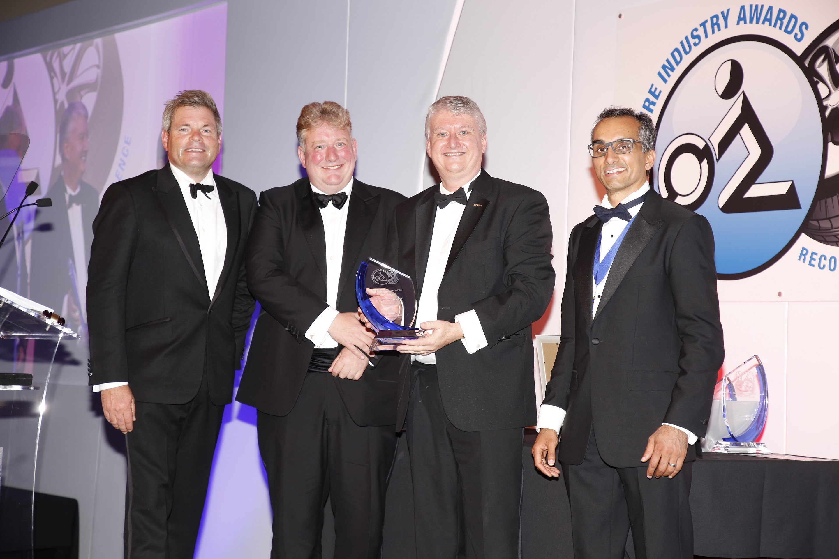 Bridgestone wins 2018 Tyre Manufacturer Award at NTDA Tyre Industry Awards
